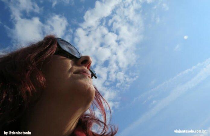 Por que viajar sozinha? 12 razões para você experimentar e se apaixonar | Viajante Solo