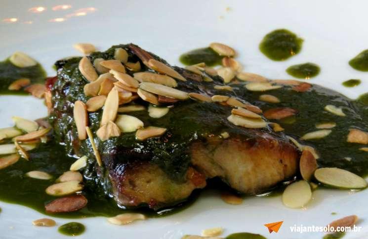 Borogodo Restaurante Dourado ao Pesto ! Viajante Solo