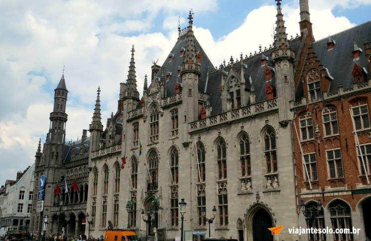Bruges City Hall | Viajante Solo