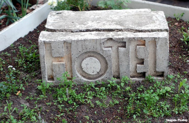 8 erros ao viajar sozinha: escolher o hotel mais barato e ficar isolada | Viajante Solo