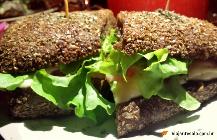 Dometila Café Sanduiche Chalaça | Viajante Solo