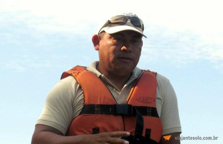 Caminhada na floresta Amazônica Conrado Farias | Viajante Solo