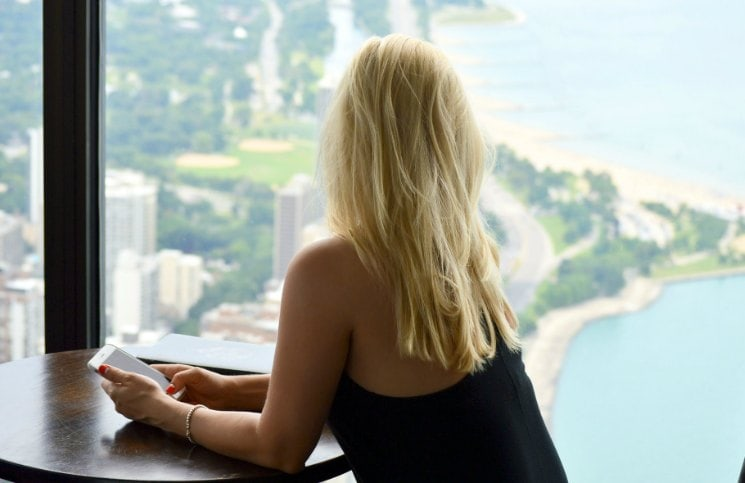 Mitos sobre viajar sozinha Refeições