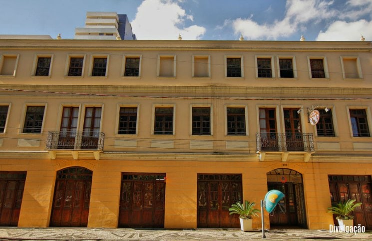 Hostel em Curitiba Roma Fachada