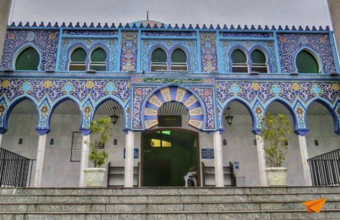 Passeios Gratuitos em Curitiba Mesquita de Curitiba | Viajante Solo
