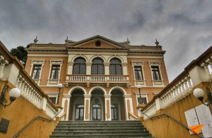 Passeios Gratuitos em Curitiba Palacio Garibaldi | Viajante Solo