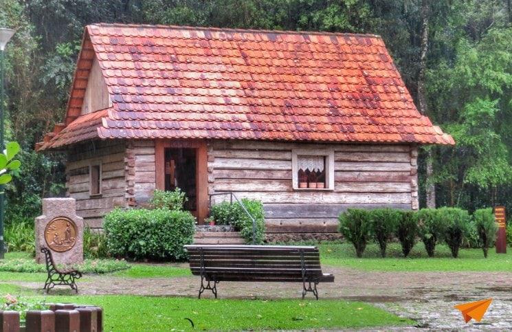 Passeios gratuitos em Curitiba Bosque do Papa-min