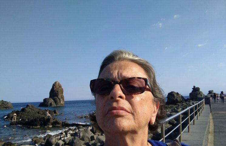 Sozinha na Sicilia Faraglione Catania