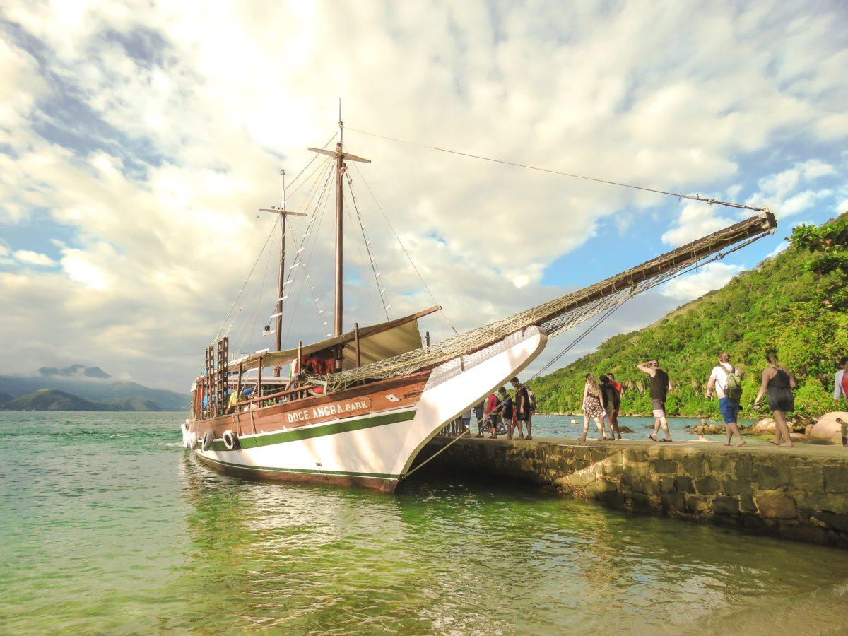 Viajar Sozinha para Angra dos Reis Passeio de Escuna (2)