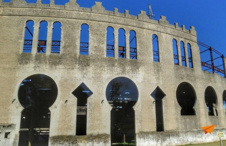 Viajar Sozinha para Colonia del Sacramento Plaza de Toros | Viajante Solo