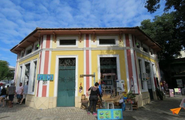 Passeio no centro histórico de Angra Mercado de Peixe | Viajante Solo