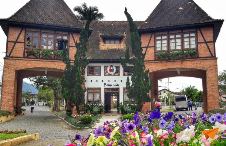 Viajar Sozinha para Blumenau Bate e Volta Pomerode