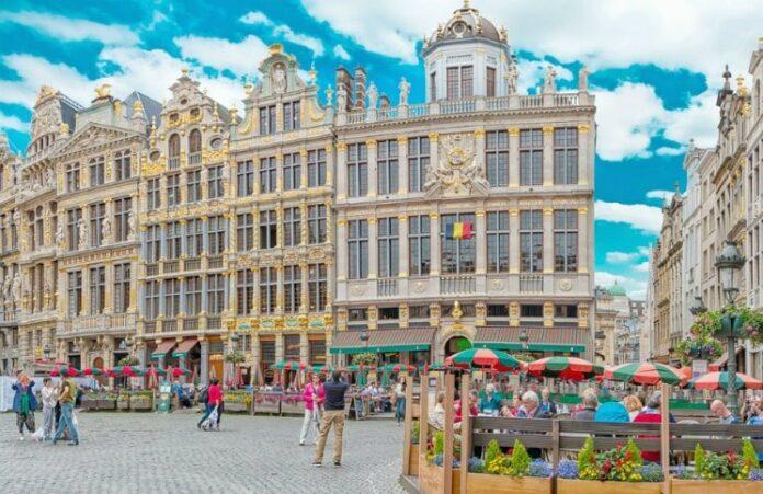 destinos para a sua primeira viagem internacional sozinha Bruxelas