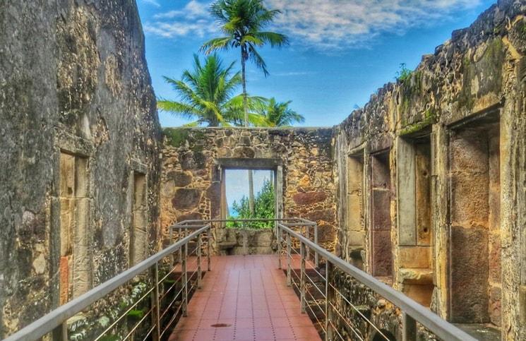 Visita ao Castelo Garcia D´Ávila Praia do Forte Capela (2)