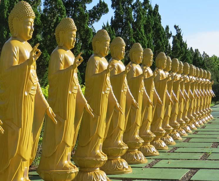 Templo Budista de Chen Tien Amitabhas Viajante Solo