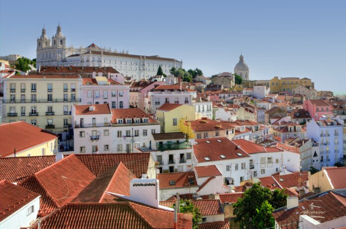 destinos para a sua primeira viagem internacional sozinha Lisboa