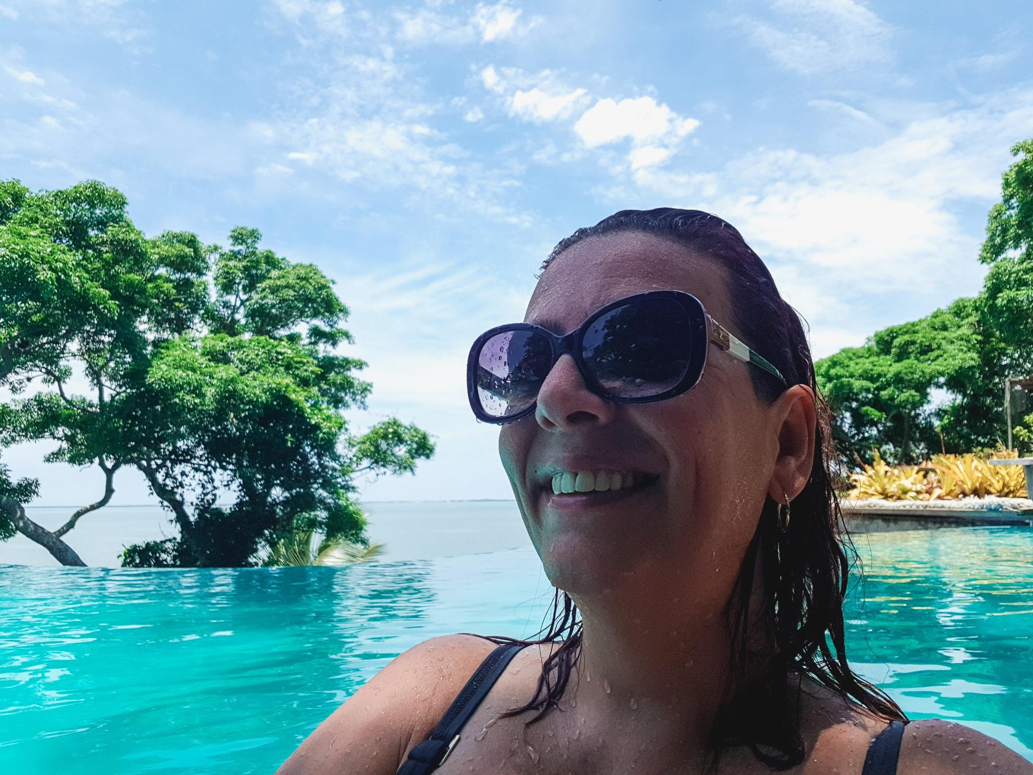 Enseada das Garças Denise Tonin Piscina