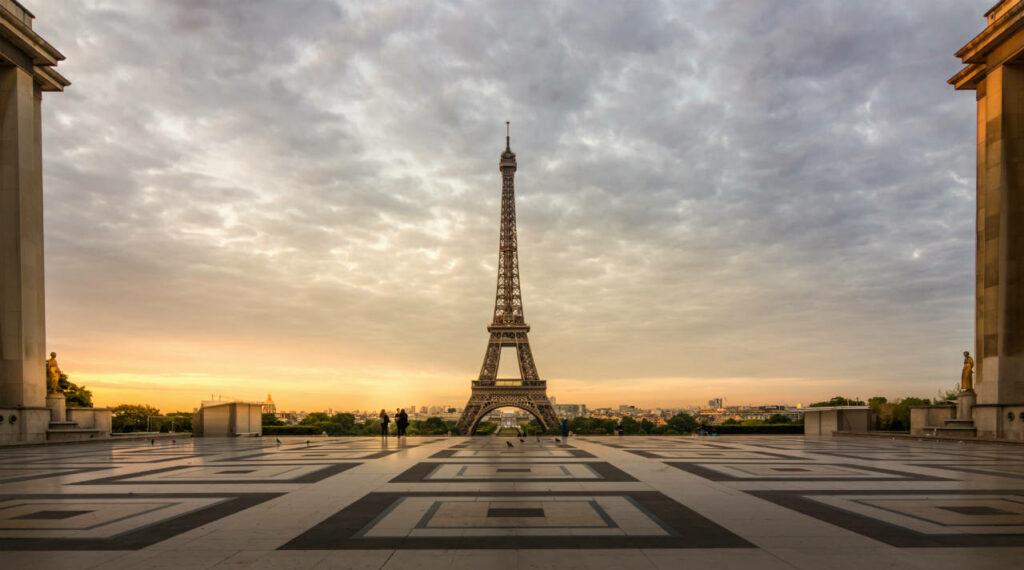 Atrações Gratuitas em paris para curtir Sozinha: Admirar a Torre Eiffel a partir dos Jardins do Trocadero