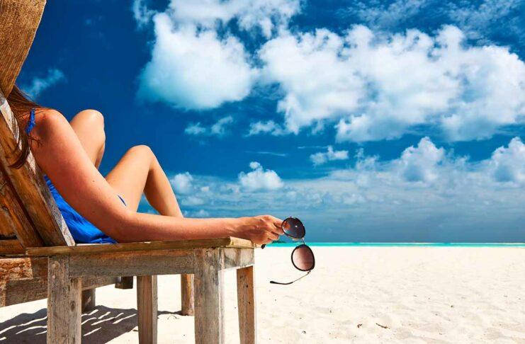 Como curtir a praia sem stress viajando sozinha