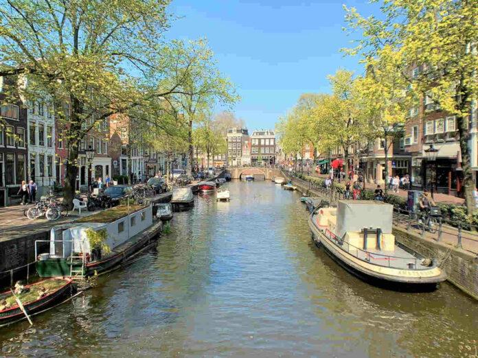 destinos para a sua primeira viagem internacional sozinha Amsterdam