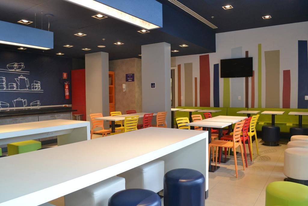 Hotel Econômico em Blumenau Bar e Restaurante Café da Manhã