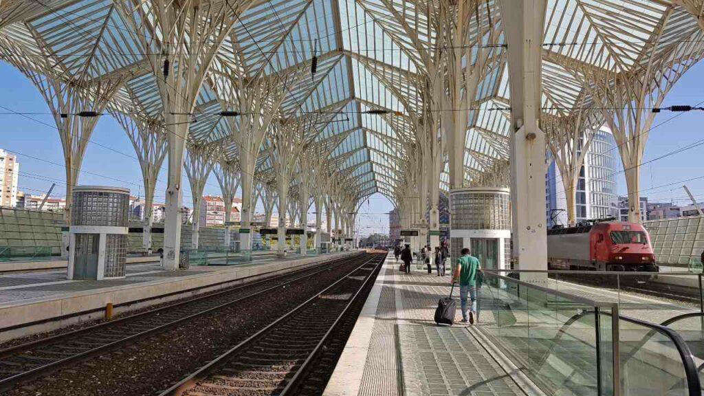 Viajar Sozinha para Faro: Gare do Oriente em Lisboa