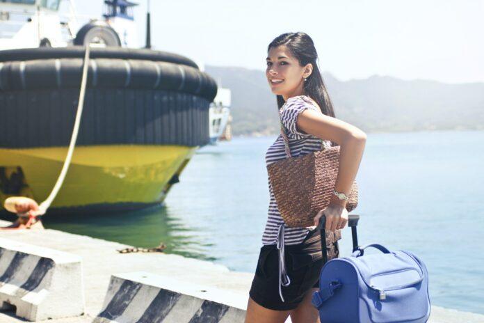 Como é trabalhar em navio de cruzeiro por Luana Lazarini