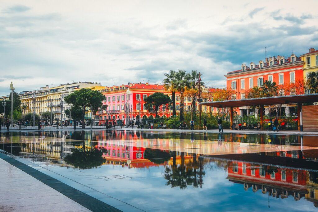 Viajar Sozinha para Nice Praça do Chafariz