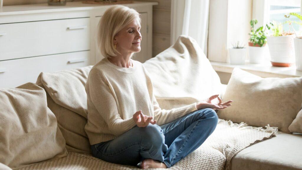 Como lidar com a tensão pré-viagem (TPV): Meditação
