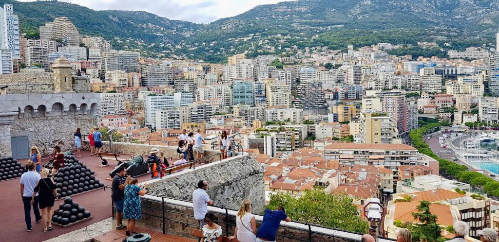 Viajar Sozinha para Mônaco