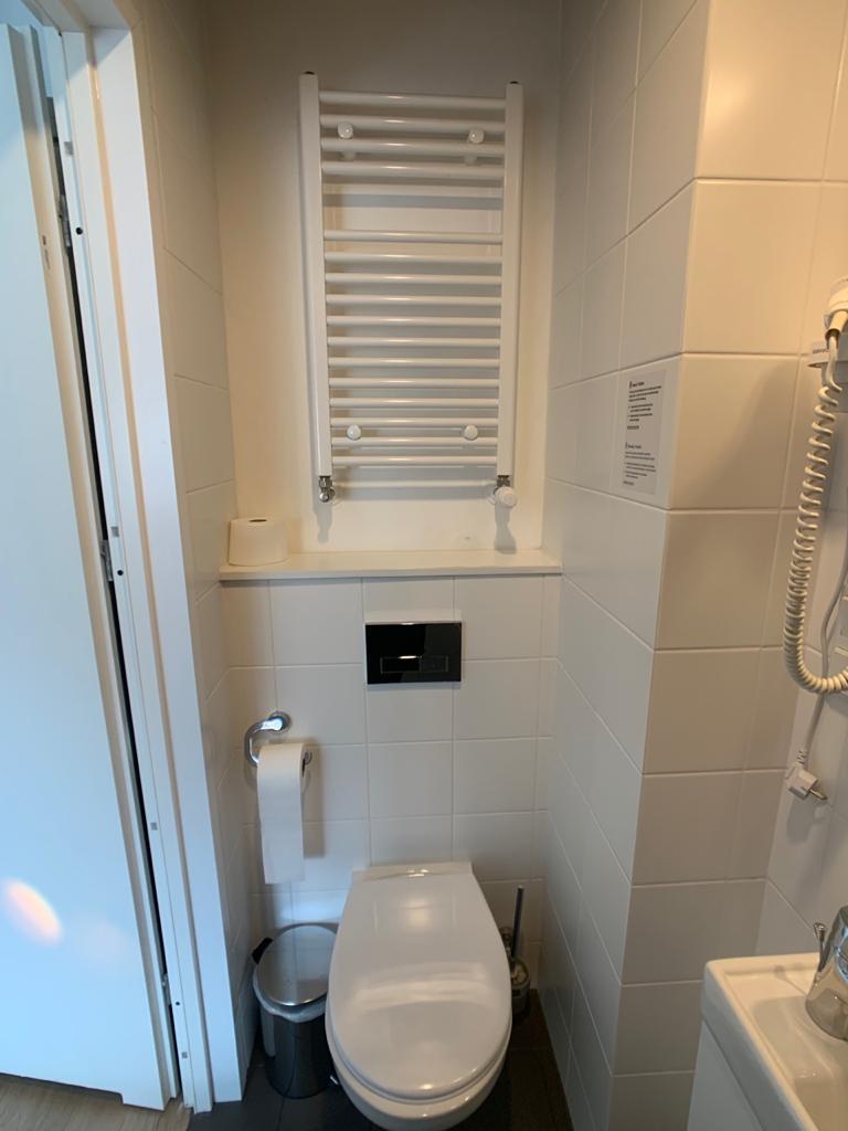 Corner Hotel Banheiro