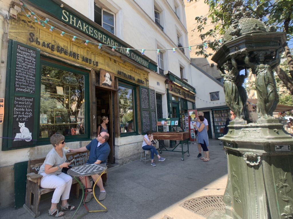 Livraria shakespeare and company, Paris
