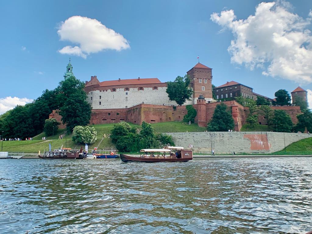 Castelo de Wawel visto do Passeio de Barco