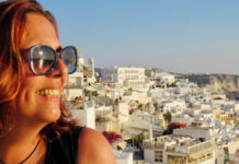 Character: vista, drinks e pôr do sol em Santorini