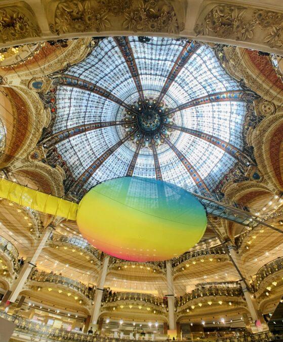 Galeries Lafayette Cúpula e Cama Elástica