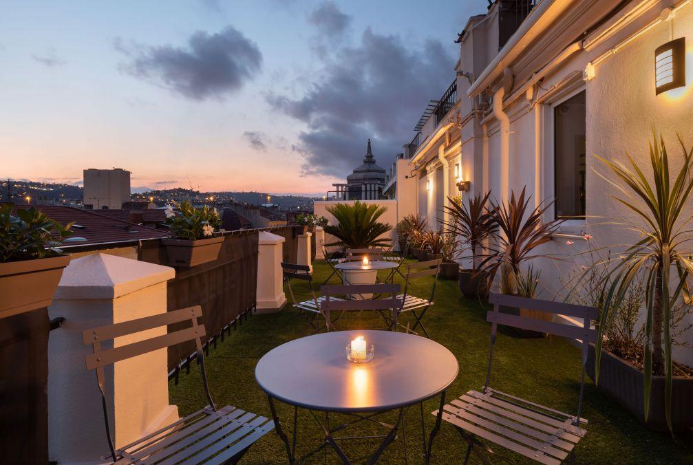 Terraço do Hotel Byakko para um relax no final da tarde