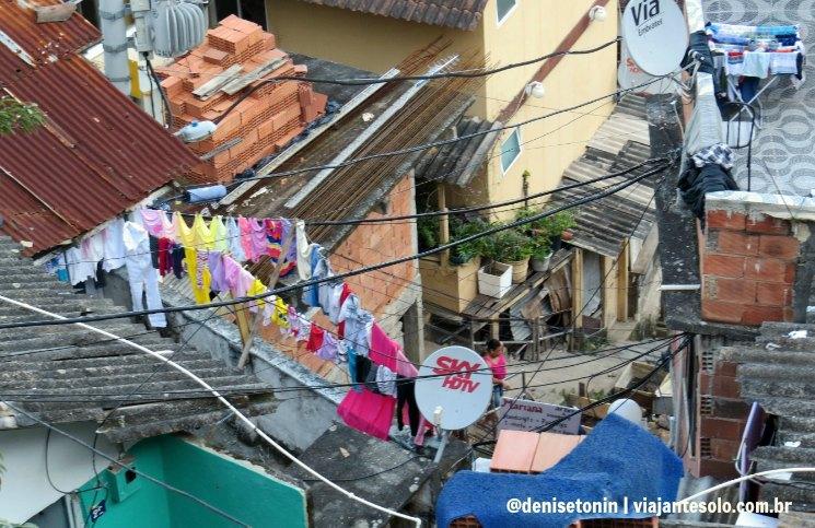 Caos de Fios na Favela Santa Marta | Viajante Solo