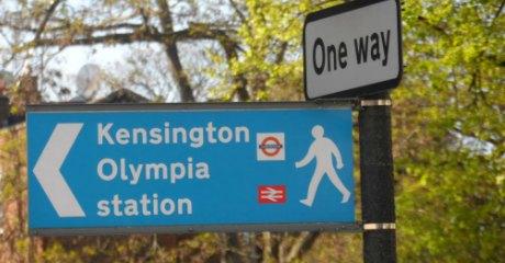 Kensington Close Hotel And Spa Postcode
