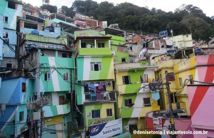 Praça do Cantão na Favela Santa Marta | Viajante Solo