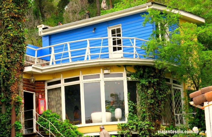 Santiago La Chascona, a casa de Neruda batizada em homenagem a Matilde Urrutia   Viajante Solo